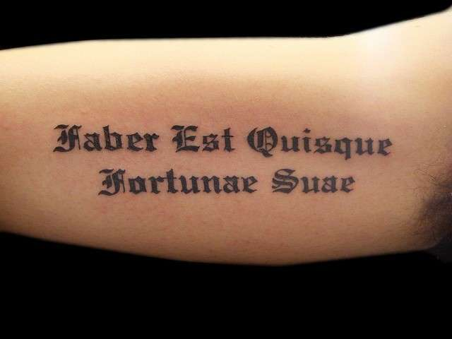 Preferenza Tatuaggi frasi in latino (Foto 2/39) | Bellezza PourFemme JU86