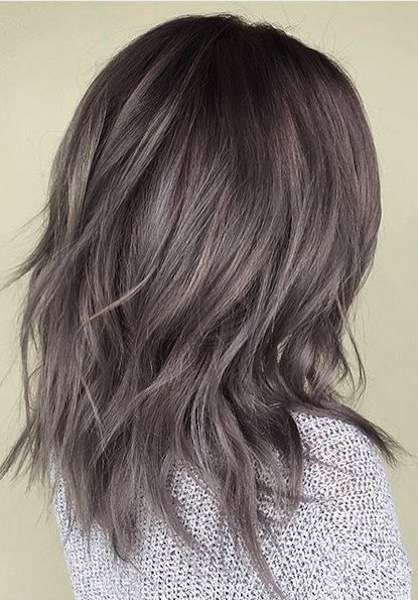 Capelli medi con tecnica Ash Brown Hair