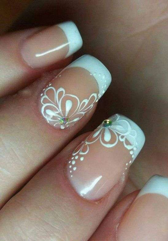 Unghie gel french decorate
